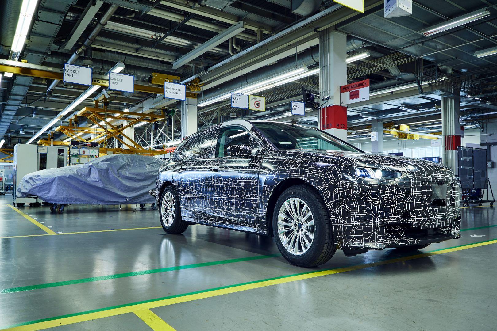 BMW iNext Prototype 16