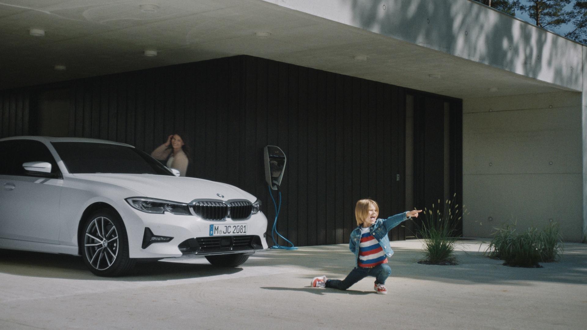 BMW xCrew 02