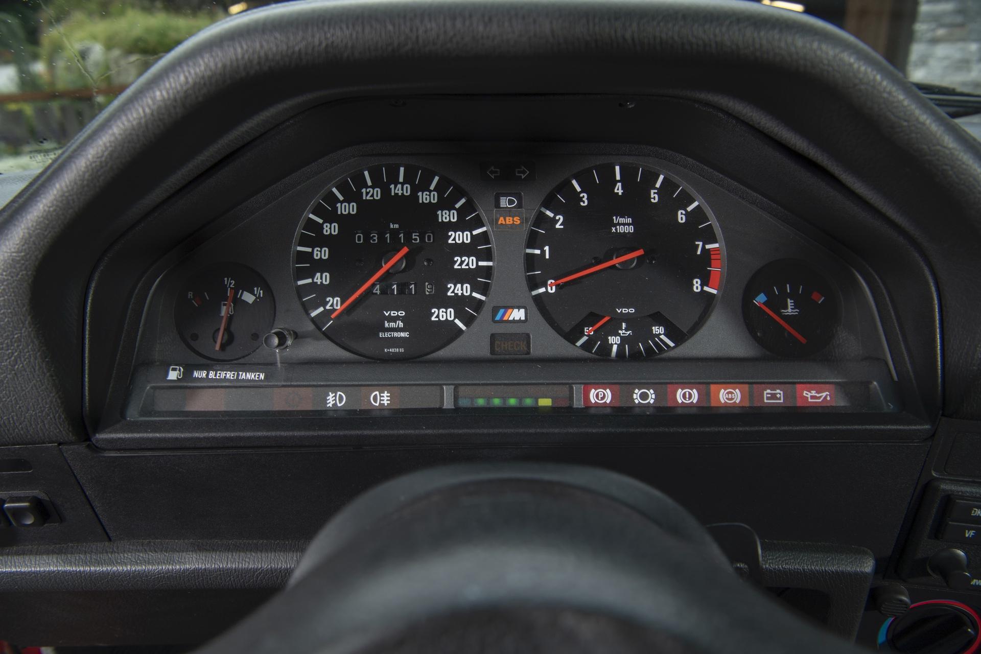 E30 BMW M3 test drive 40