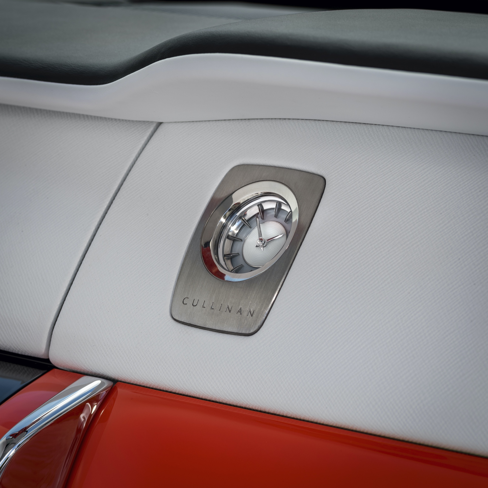Fux orange Rolls Royce Cullinan 01
