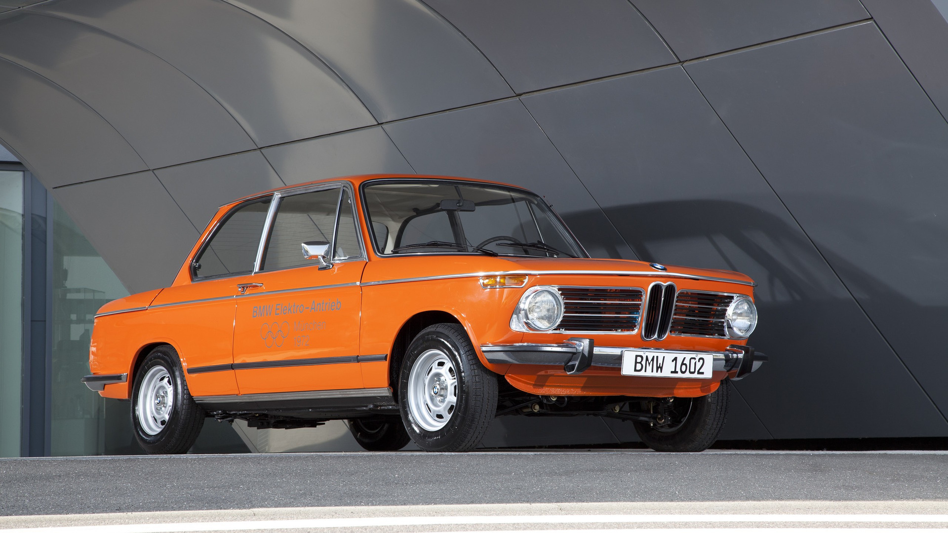 VIDEO: Frank Stephenson Discusses Concept Car Based BMW 1602 Electric