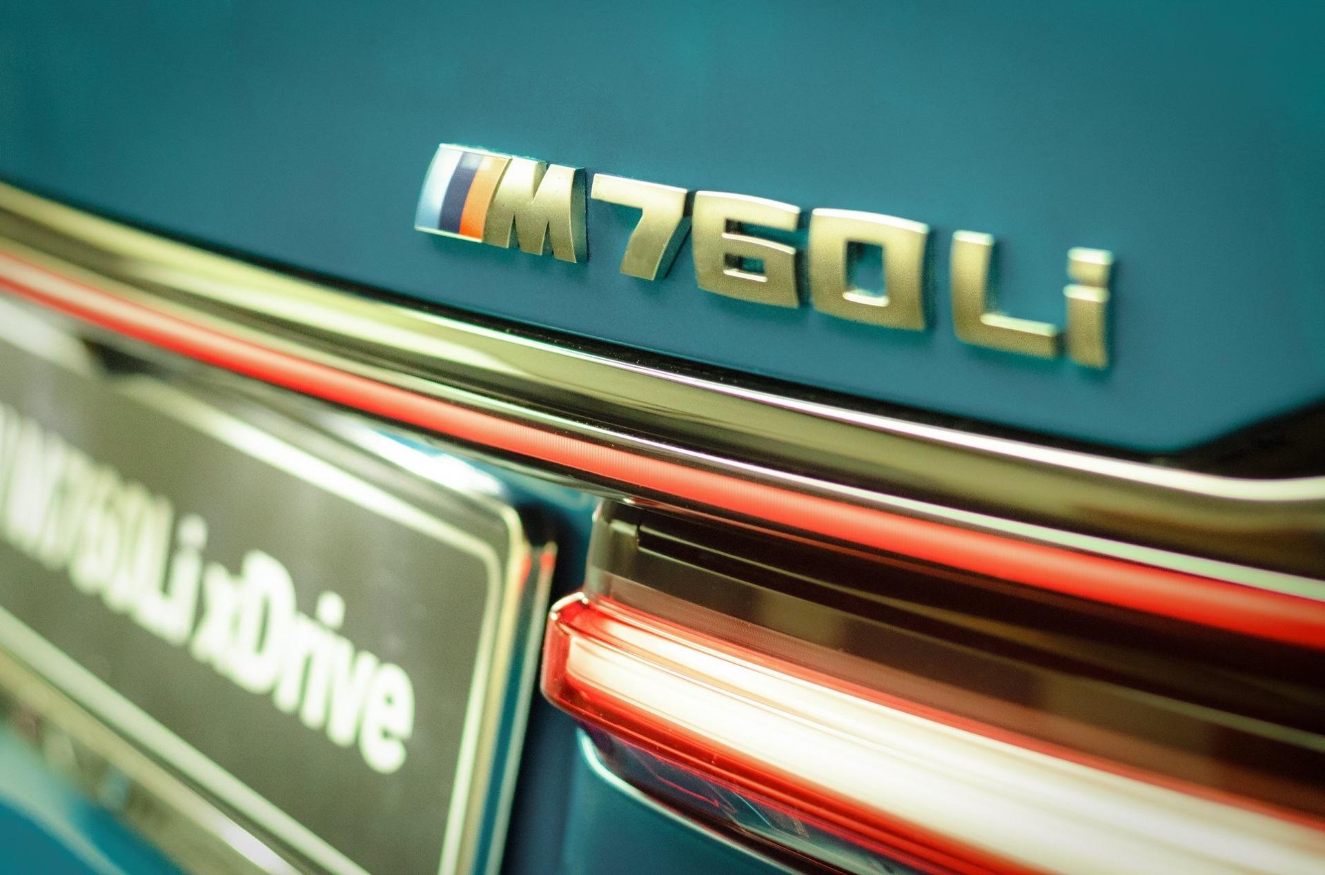 BMW M760Li Atlantis Blue 7