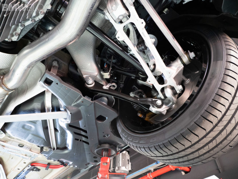 BMW M8 COUPE UNDERCARRIAGE 10 830x623