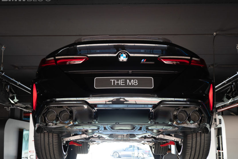 BMW M8 COUPE UNDERCARRIAGE 18 830x553