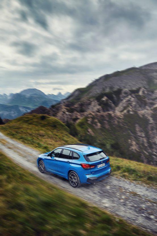 BMW X1 xDrive25e 12 553x830
