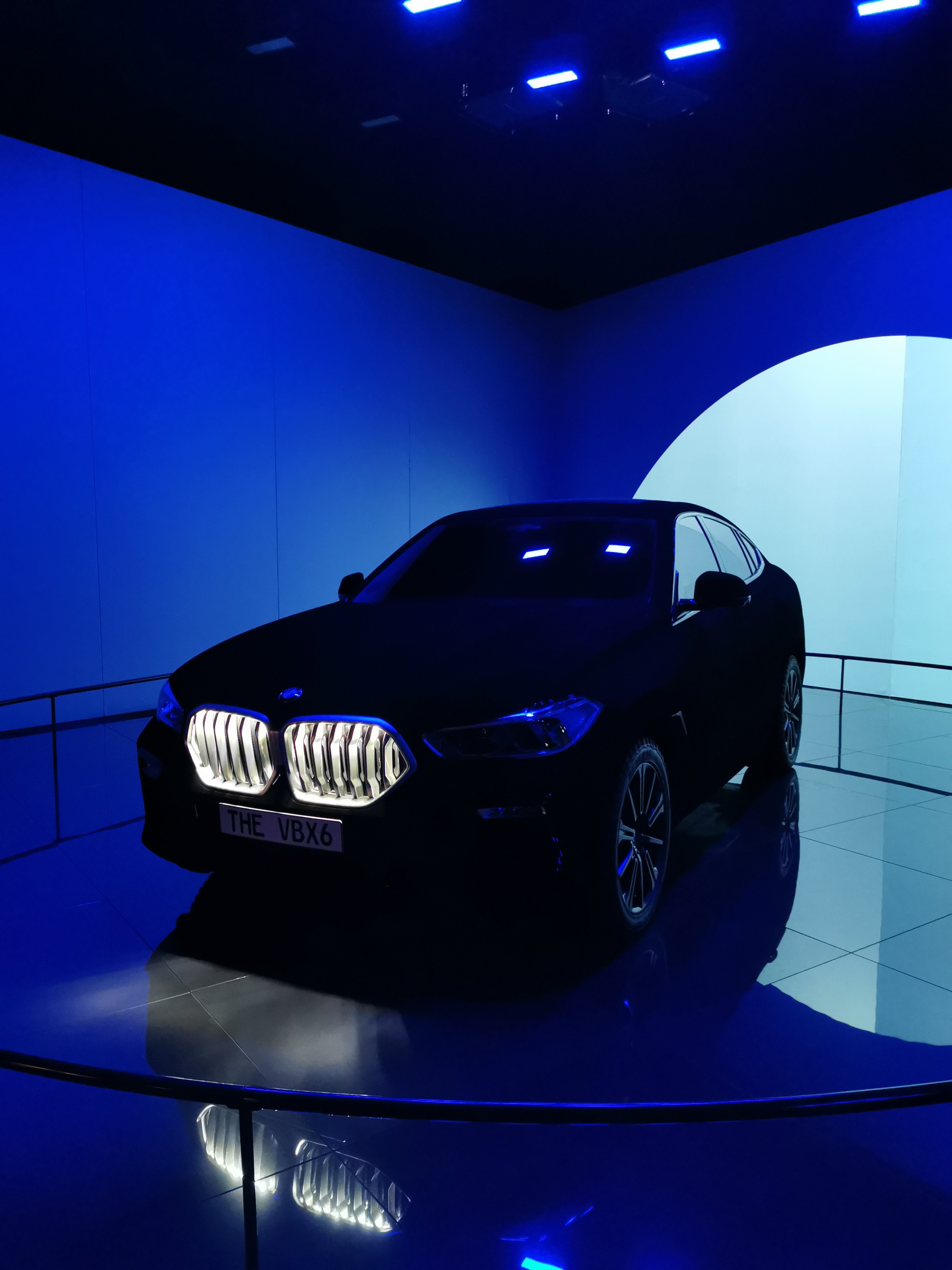 BMW X6 Vantablack glowing 2