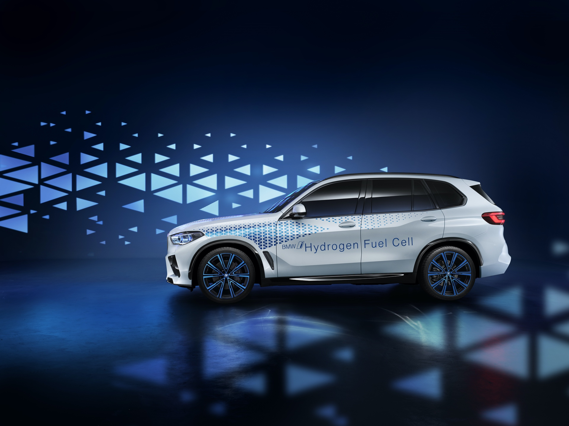 BMW i Hydrogen Next fuel cell 6