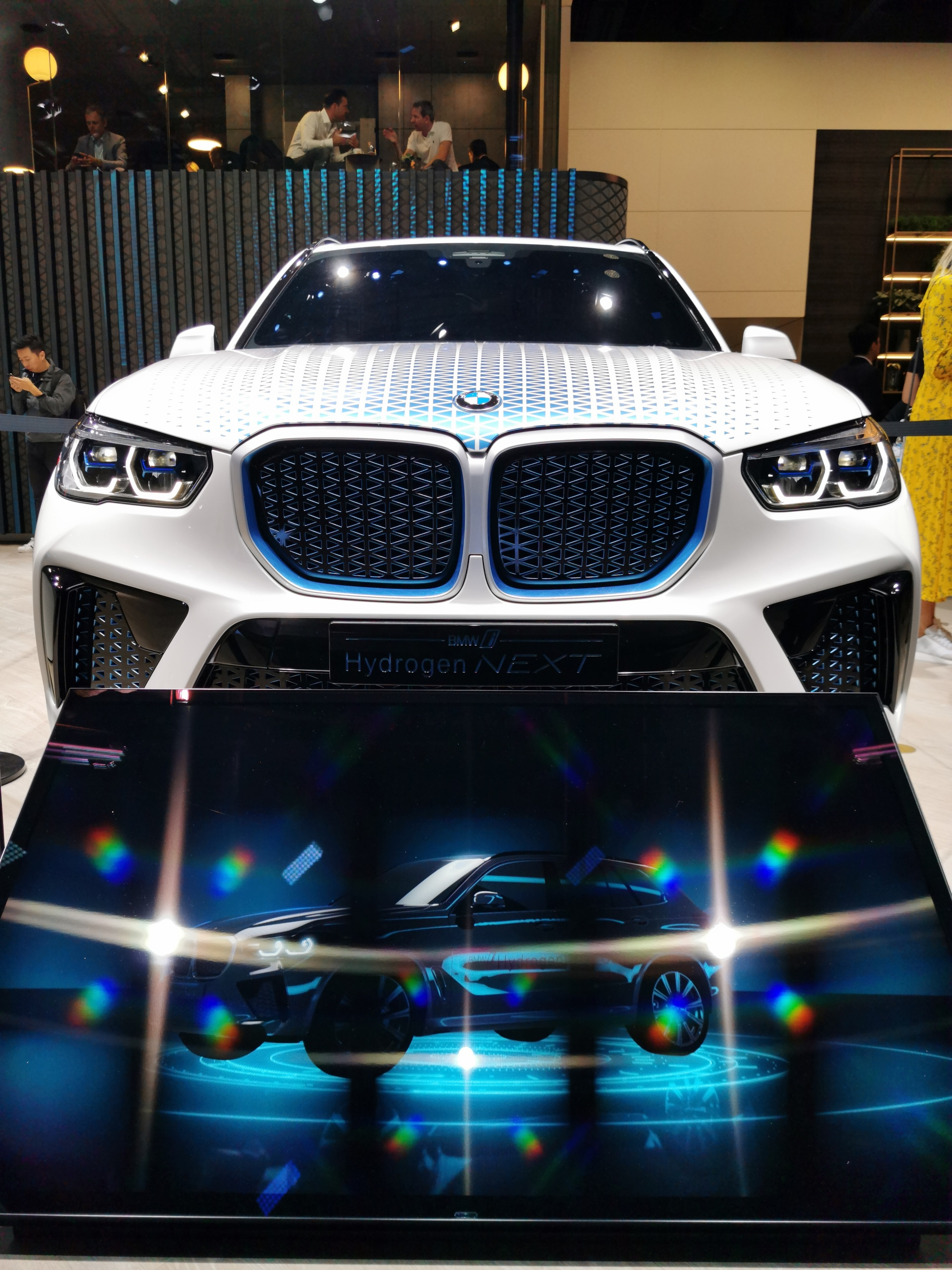 BMW i Hydrogen NEXT actually us gives a taste of the BMW X5 M