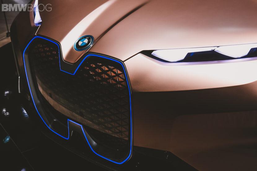 BMW iNext Frankfurt Auto Show 18 830x553