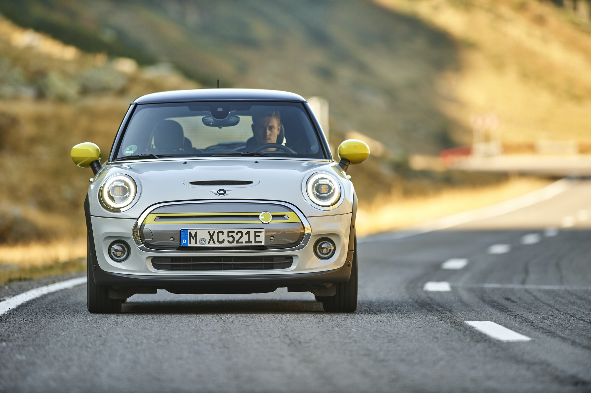 Mini Cooper Usa >> Video Mini Usa Gets New Promo Focused On Driving