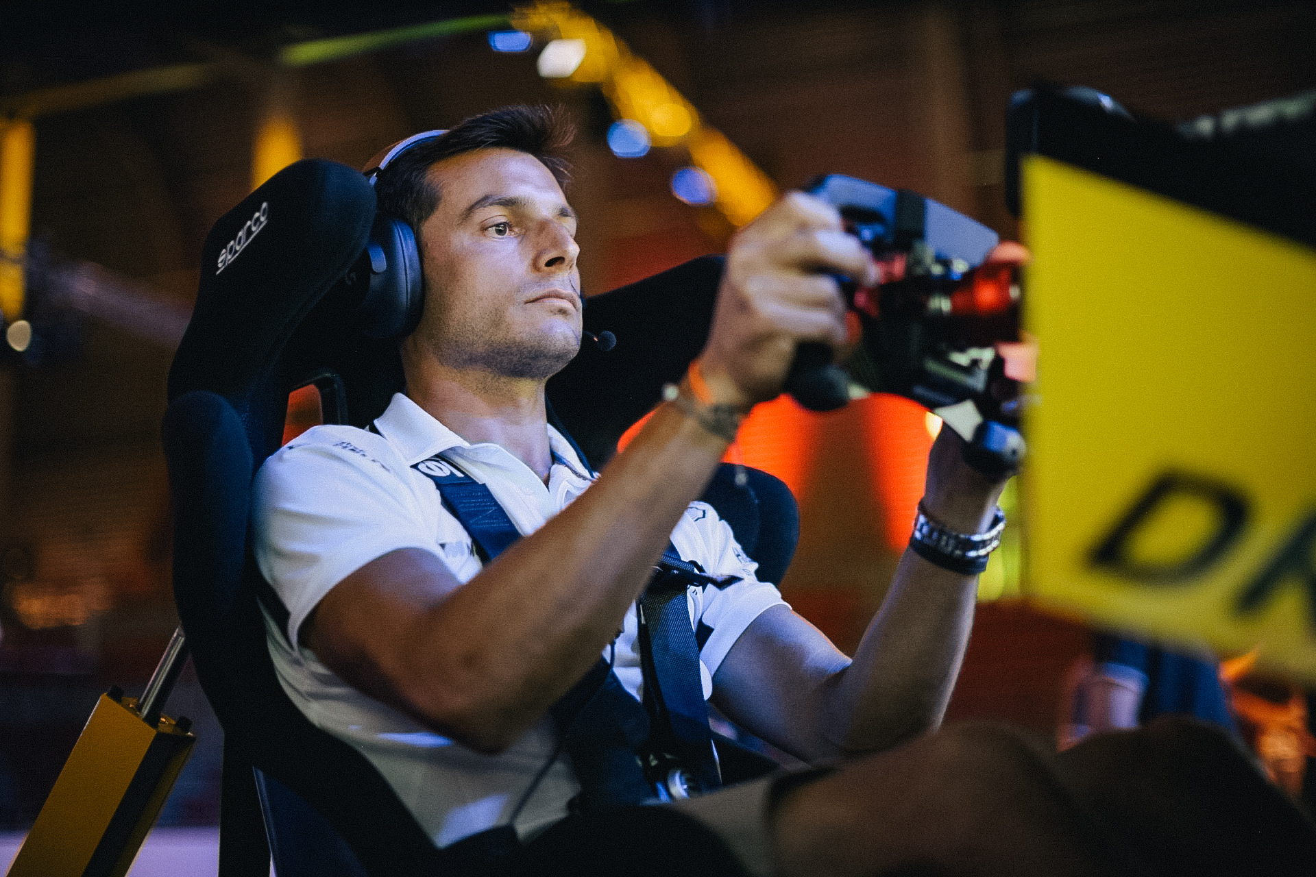 BMW Drivers Raced Pro Players in ADAC SimRacing EXPO this Weekend