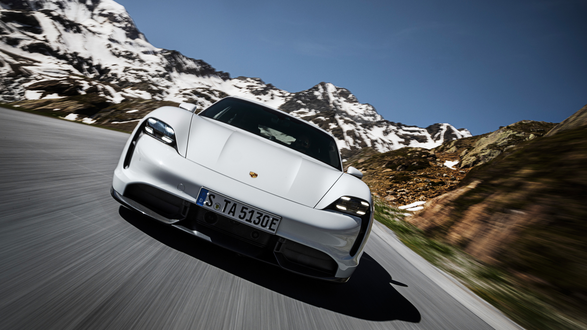 Porsche Taycan 6 of 11