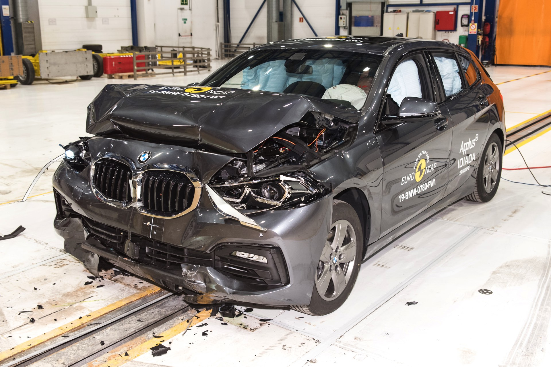 2019 BMW 1er F40 Euro NCAP Crashtest 5 Sterne 01