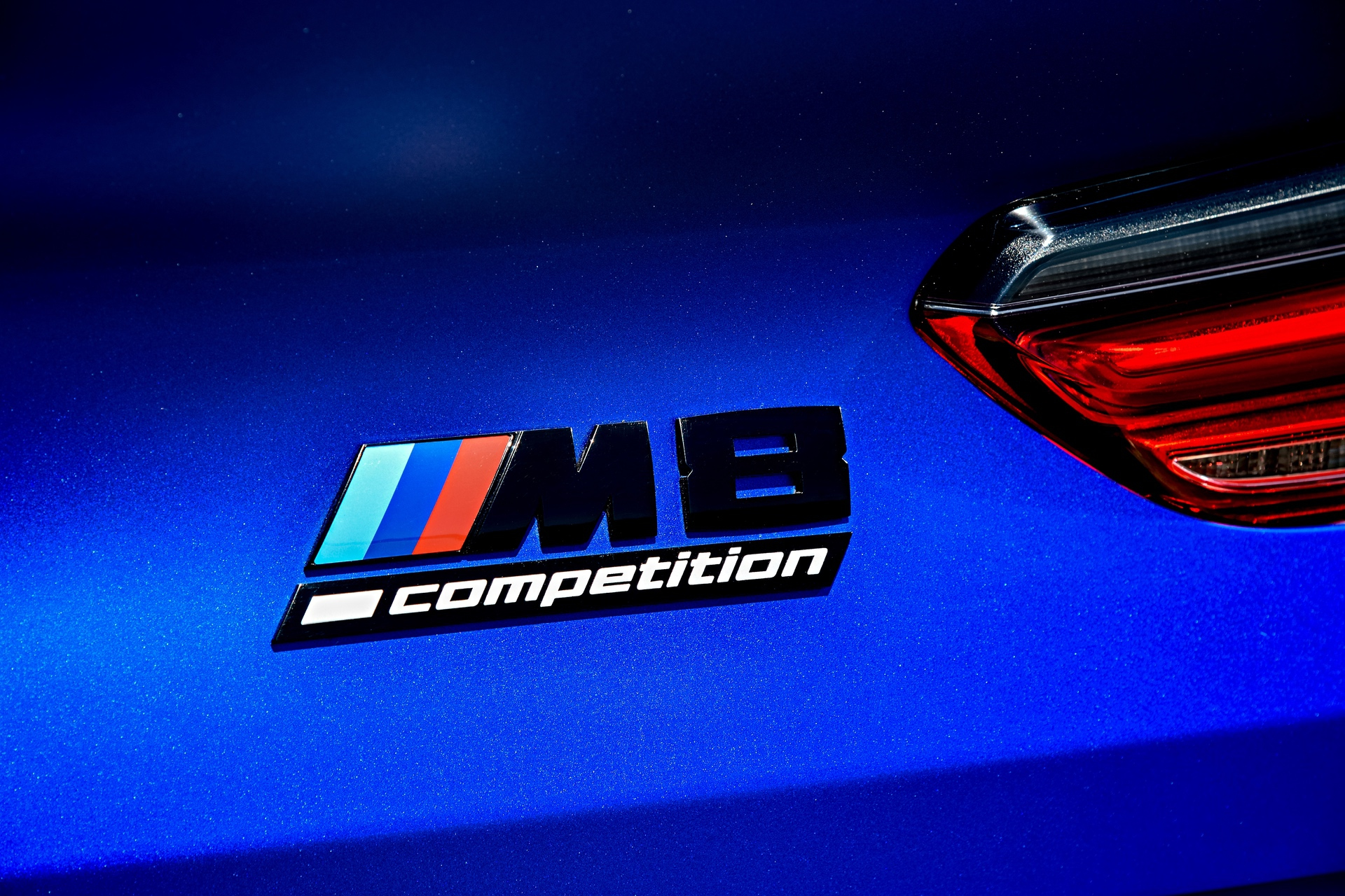 2020 BMW M8 Competition Coupe Frozen Marina Blue 101