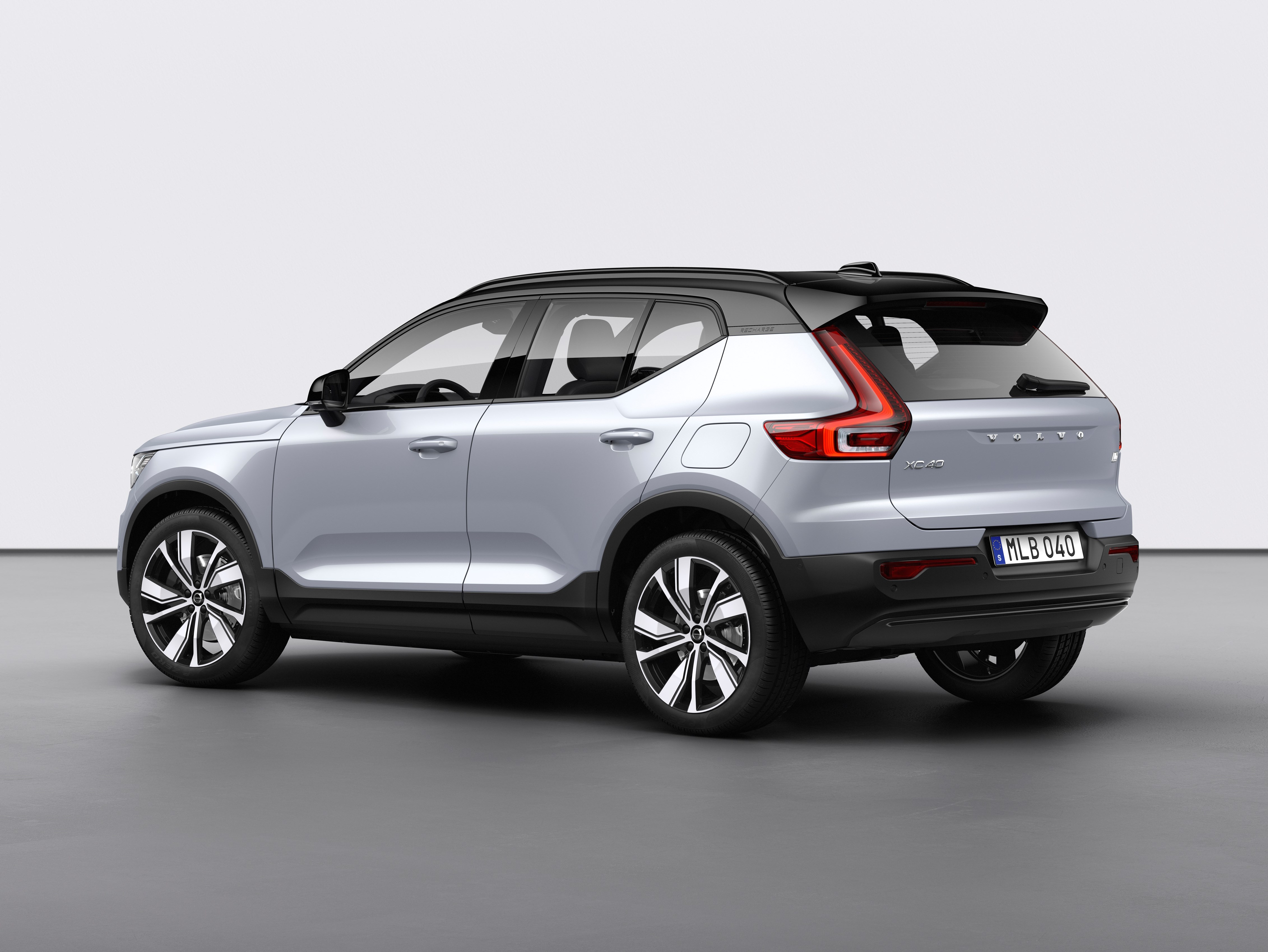 Volvo XC40 Recharge is all-electric with 408 hp and 258 ...