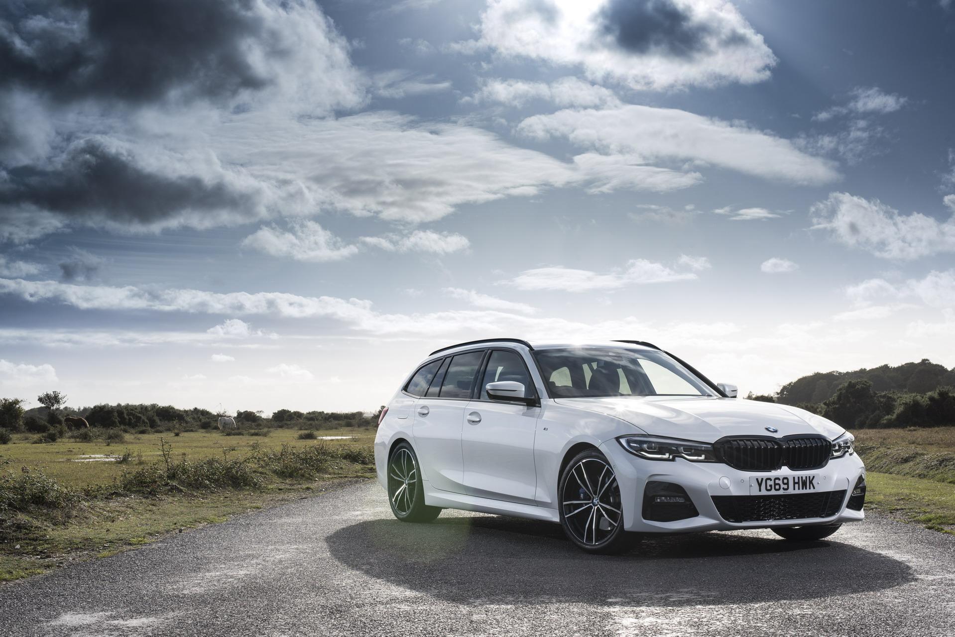 BMW 3 Series Touring G21 UK 87