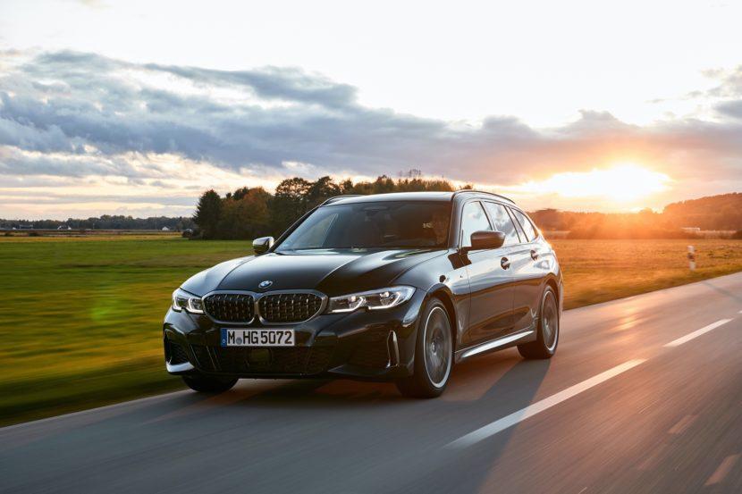 BMW M340i Touring Black Sapphire 0 830x553