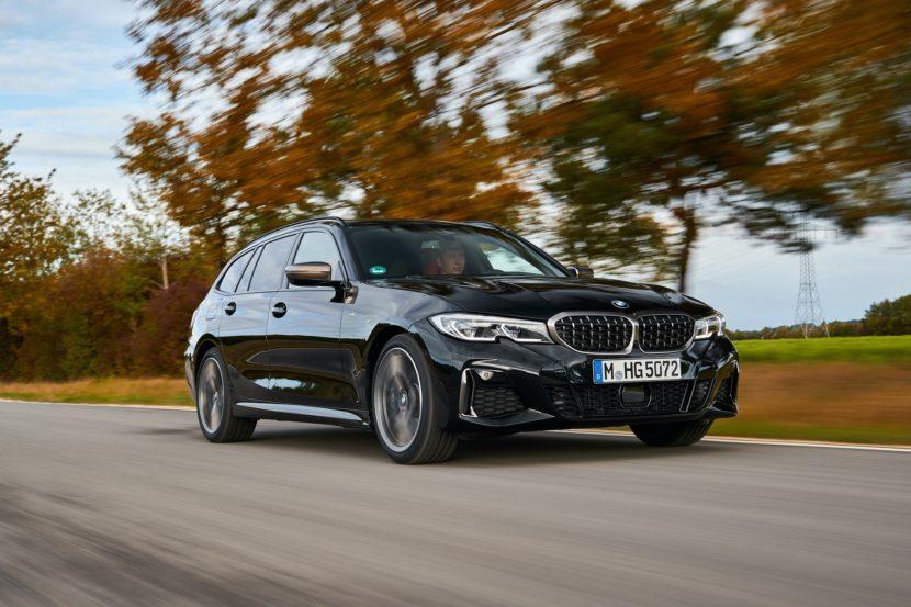 BMW M340i Touring Black Sapphire 13 830x553