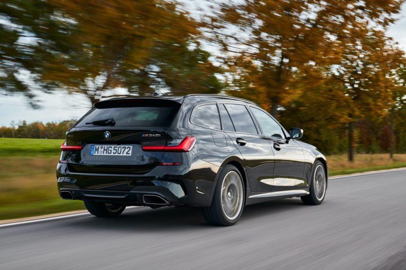 BMW M340i Touring Black Sapphire 15 830x553