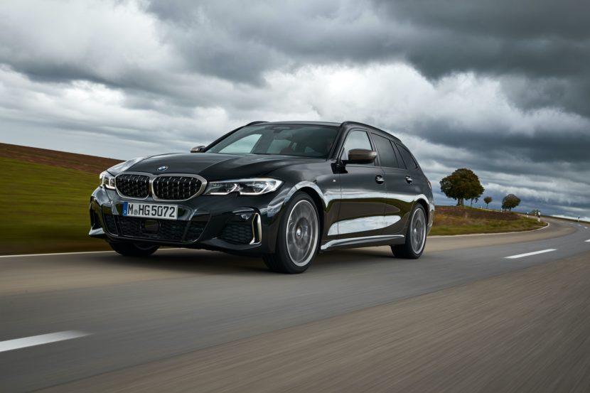 BMW M340i Touring Black Sapphire 7 830x553