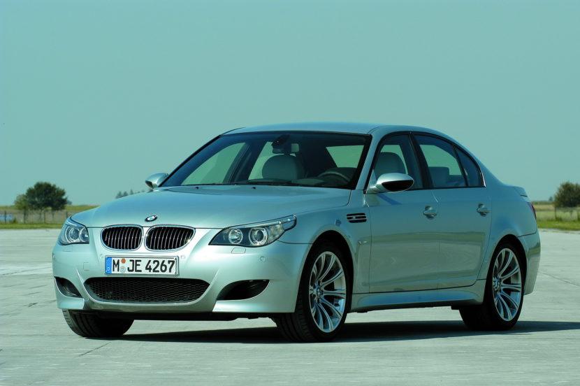 BMW M5 E60M 2005 5 830x552