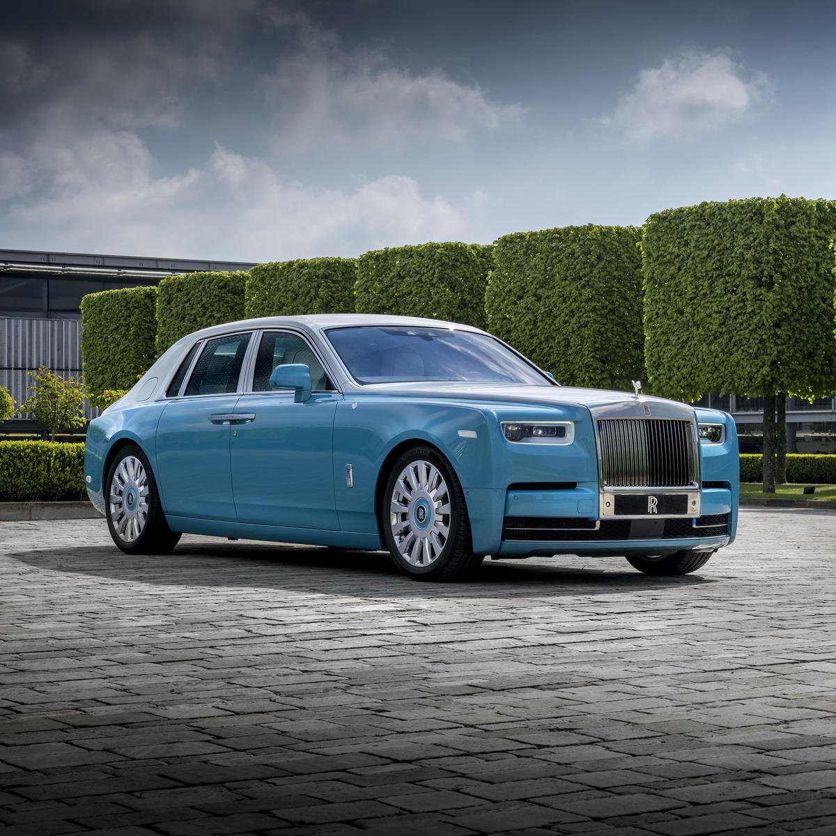 Global demand for bespoke Rolls Royce models increases 4