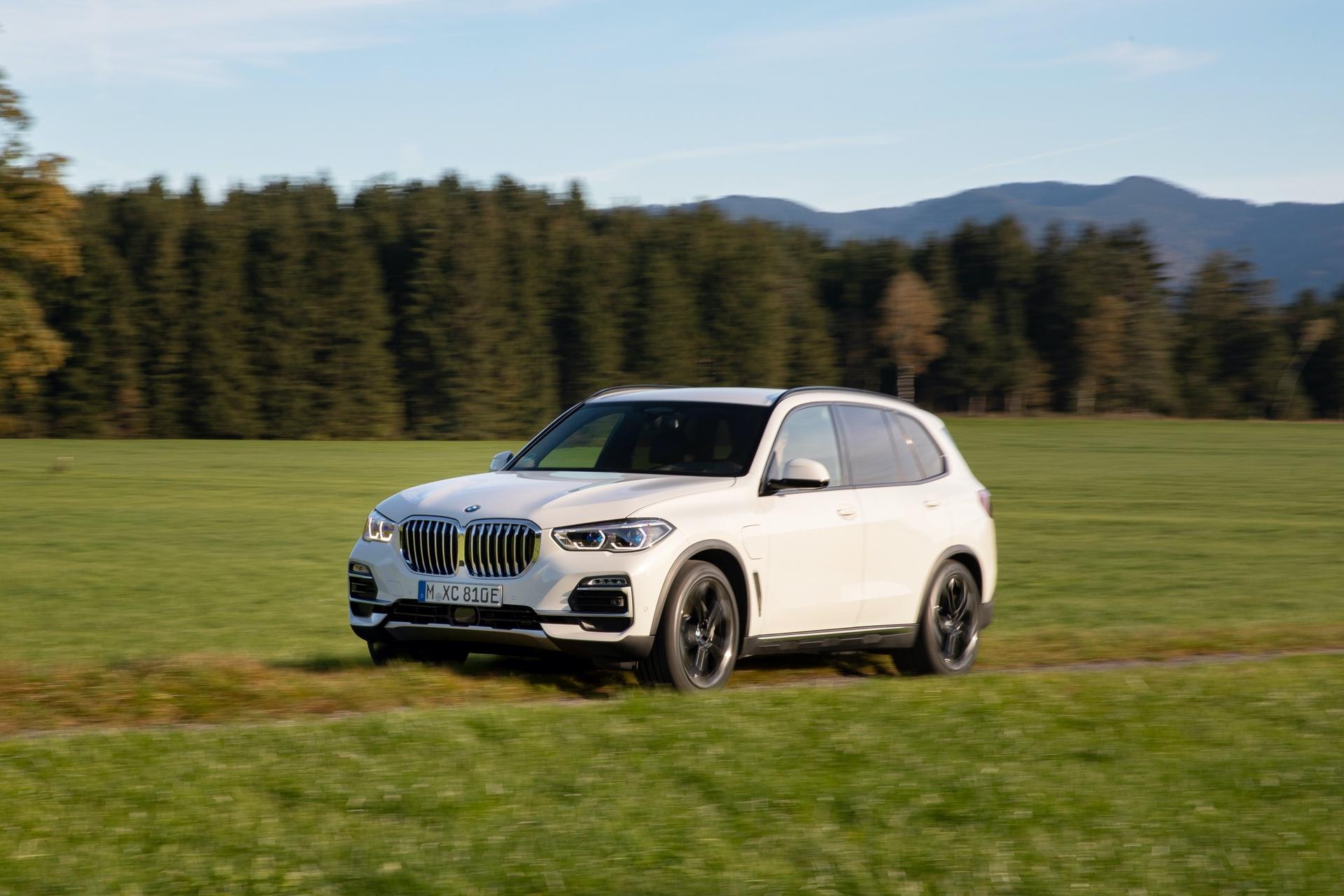 2020 BMW X5 xDrive45e test drive 34
