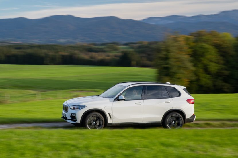 2020 BMW X5 xDrive45e test drive 37 830x553
