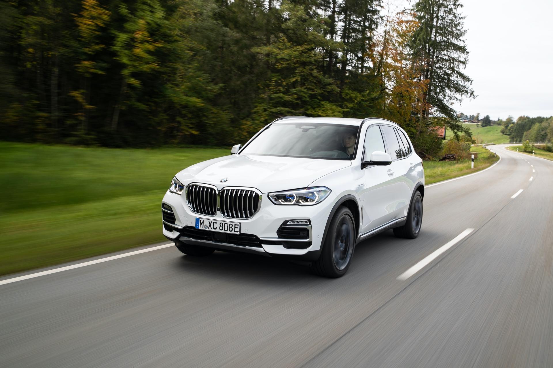 2020 BMW X5 xDrive45e test drive 51