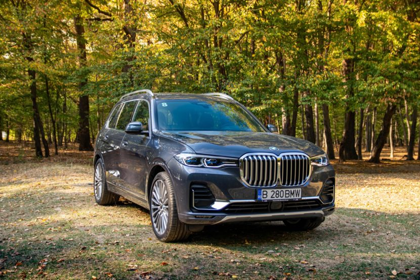 2020 BMW X7 xDrive40i test drive 0054 830x553