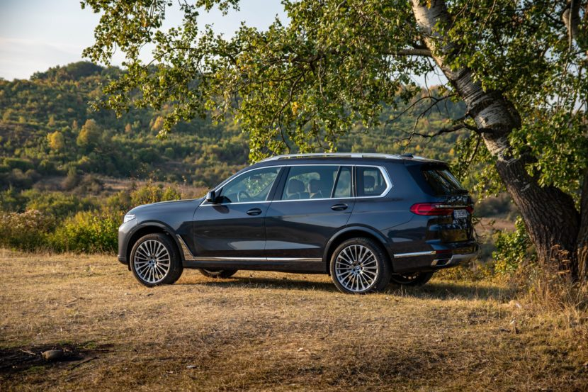 2020 BMW X7 xDrive40i test drive 0065 830x553