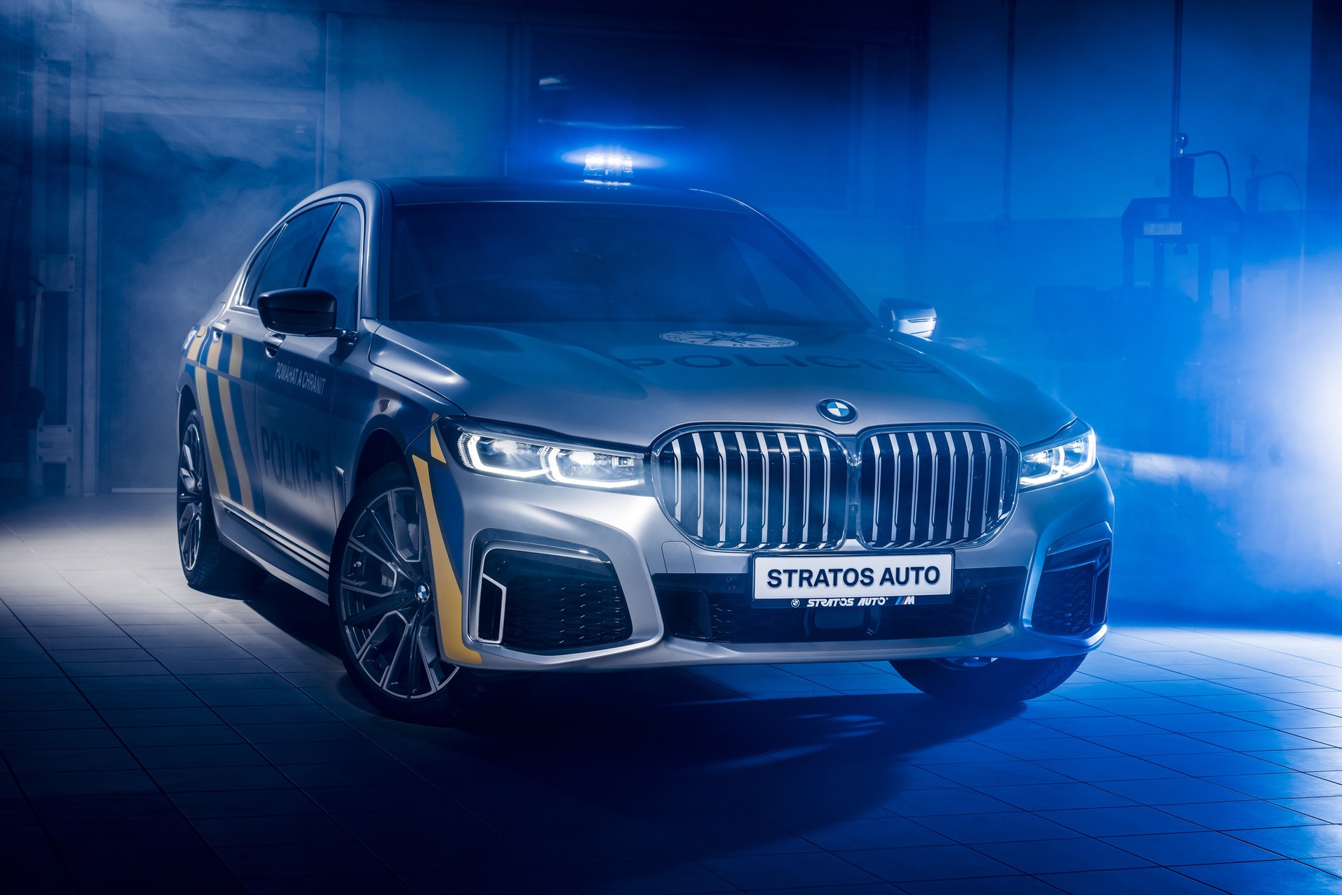 BMW 7 Series plug in hybrids for police cars 8