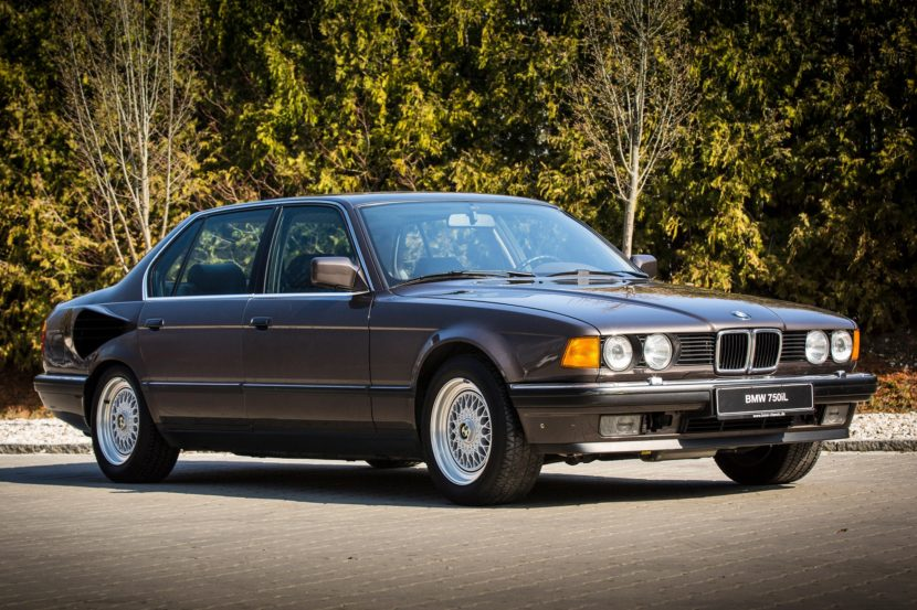 BMW E32 7 Series V16 1 830x553