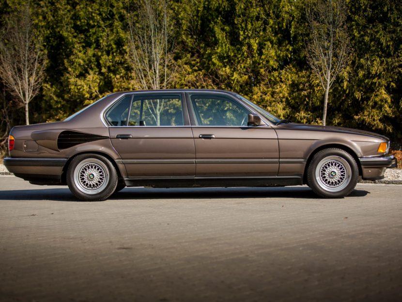 BMW E32 7 Series V16 2 830x623