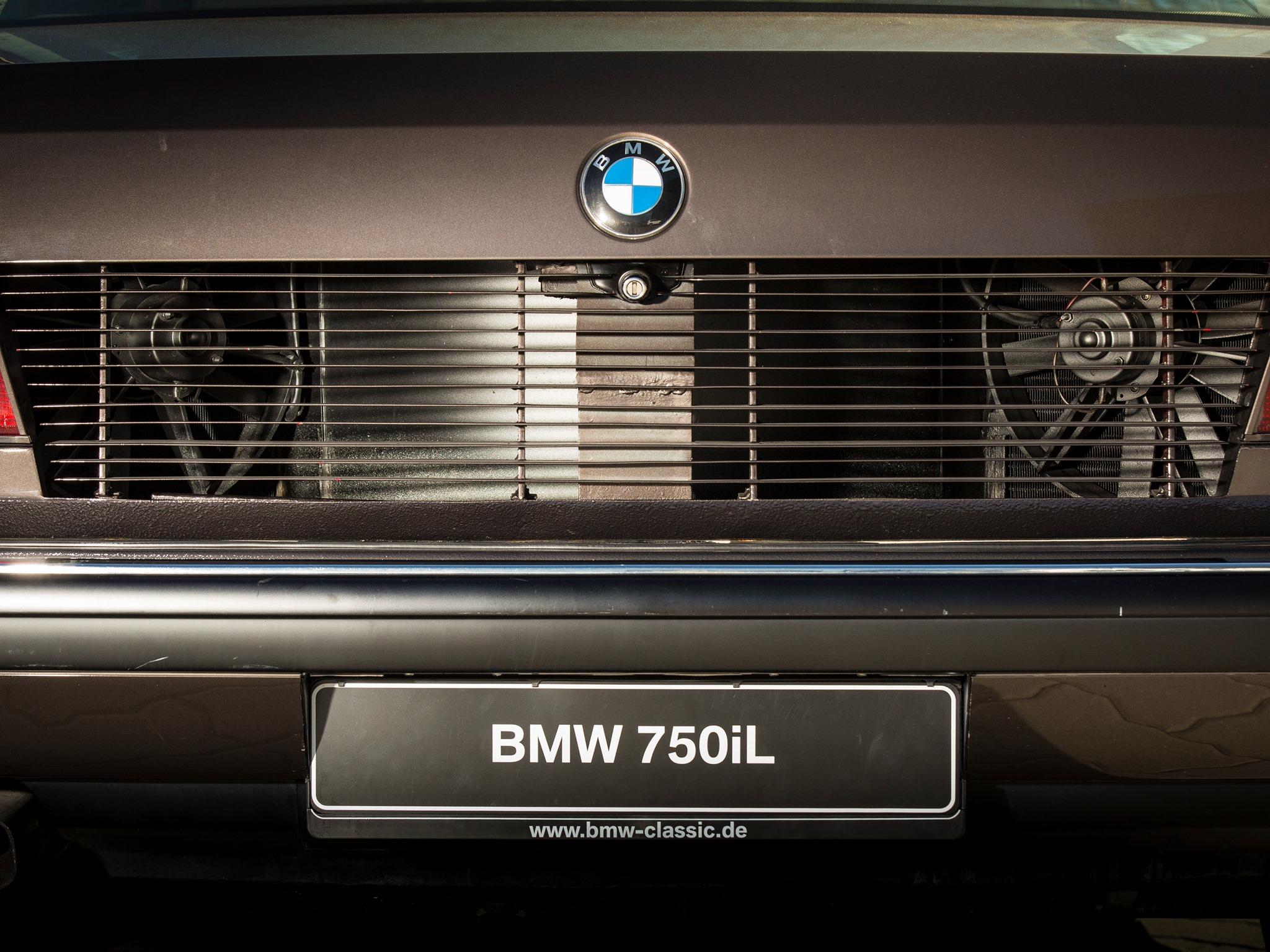 BMW-E32-7-Series-V16-5.jpg