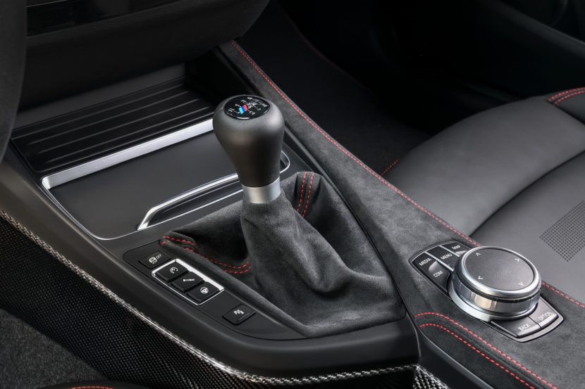 BMW M2 CS interior photos images 6 830x553