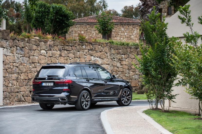 BMW X7 M50d Greece 13 830x553