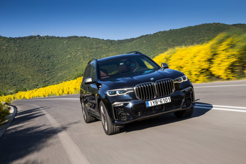 BMW X7 M50d Greece 32 830x553