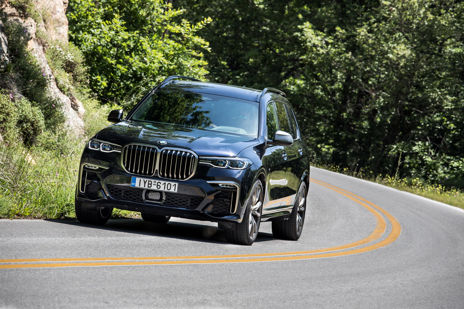 BMW X7 M50d Greece 44