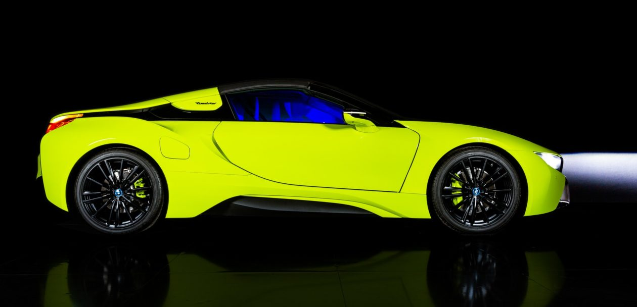 BMW i8 Roadster LimeLight Edition 1 1260x608