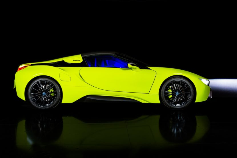 BMW i8 Roadster LimeLight Edition 1 830x553