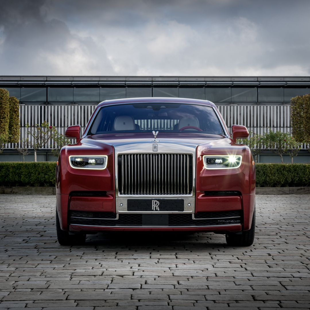 Rolls-Royce Phantom (RED) To Be Auctioned For Fight To End