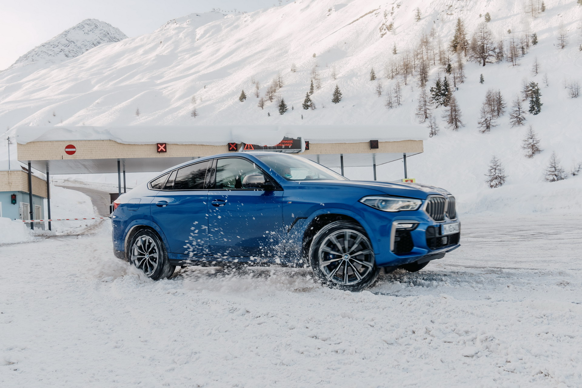 The new X6 and 8 Series Gran Coupe in Solden 18