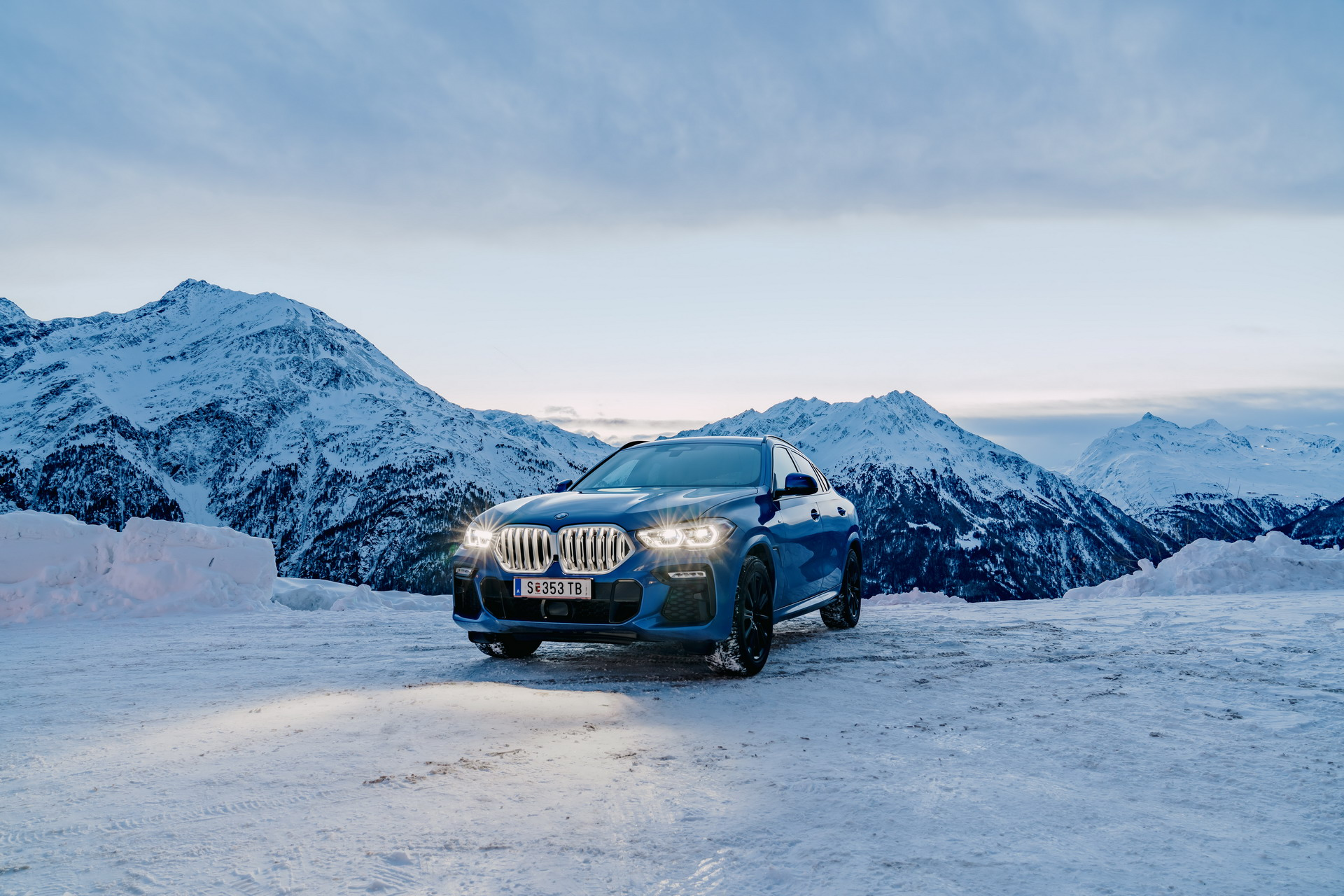 The new X6 and 8 Series Gran Coupe in Solden 27