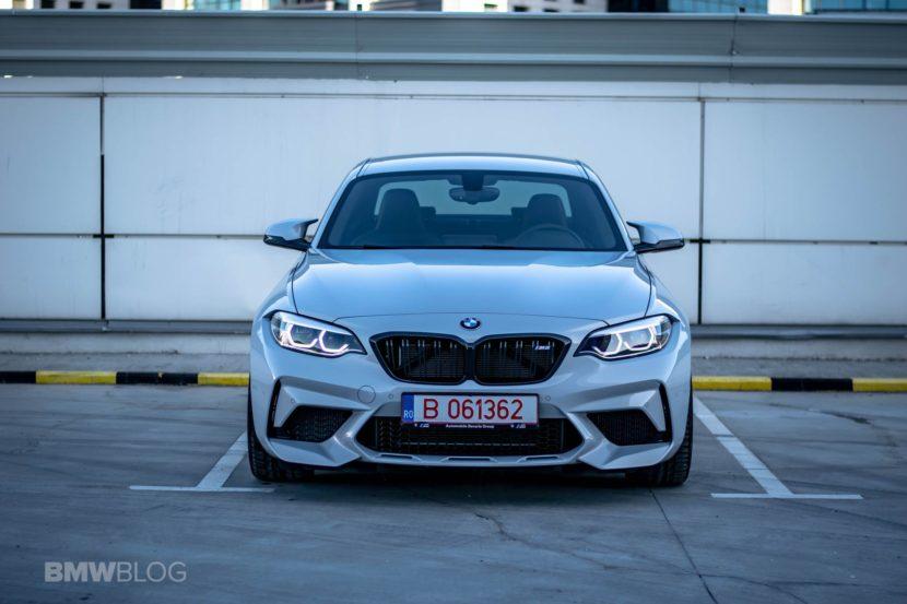 Video: BMW M2 Competition drag races 2020 Audi RS3