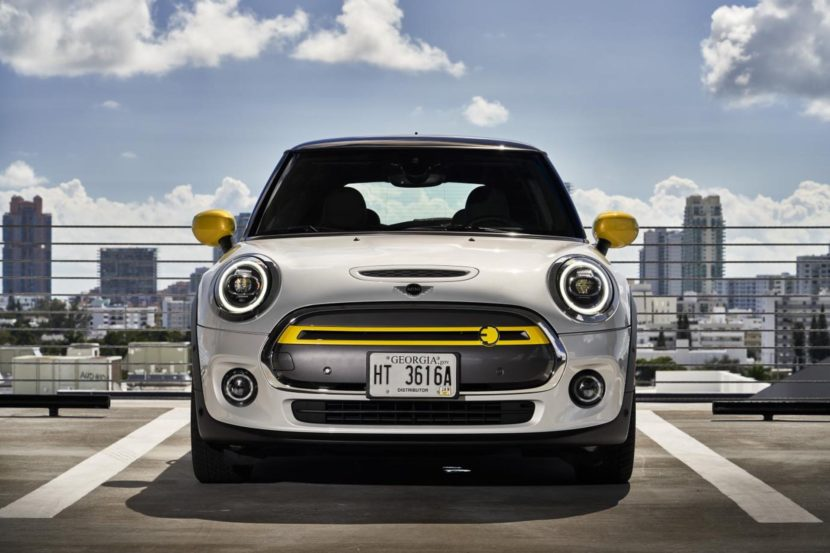 2020 MINI Cooper SE test drive review 56 830x553