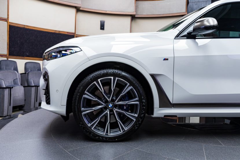 Alpine White BMW X7 M50i G07 13 830x554
