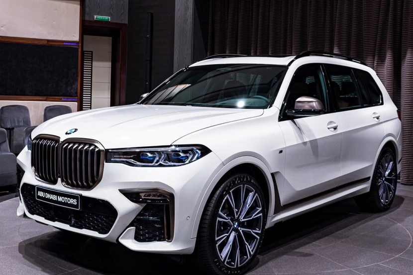Alpine White BMW X7 M50i G07 2 830x553