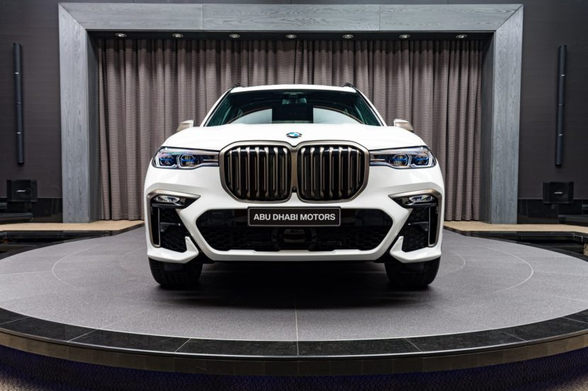 Alpine White BMW X7 M50i G07 8 830x553