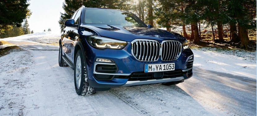 BMW X5 G05 in winter 830x374